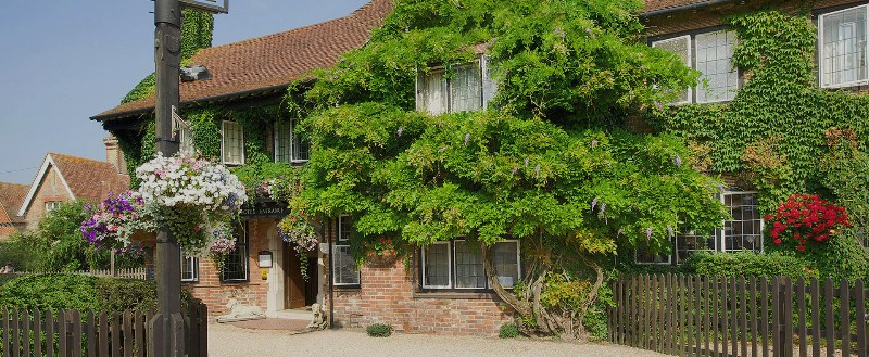 Montagu-Arms-Hotel-Brockenhurst