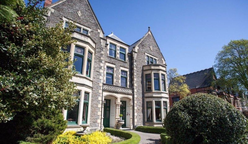 Lincoln-House-Private-Hotel-Cardiff